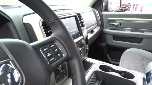 2018 Ram 1500 Crew Cab 4x4, Pickup #180440 - photo 31