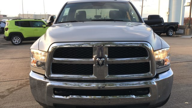 2018 Ram 3500 Crew Cab 4x2,  Pickup #180935 - photo 3