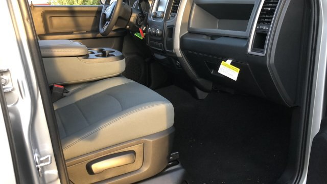 2018 Ram 3500 Crew Cab 4x2,  Pickup #180935 - photo 9