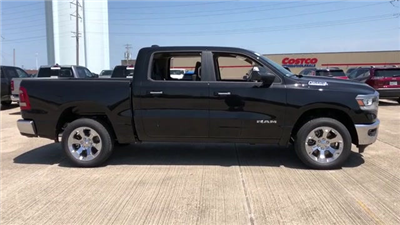 2019 Ram 1500 Crew Cab 4x4, Pickup #190028 - photo 5