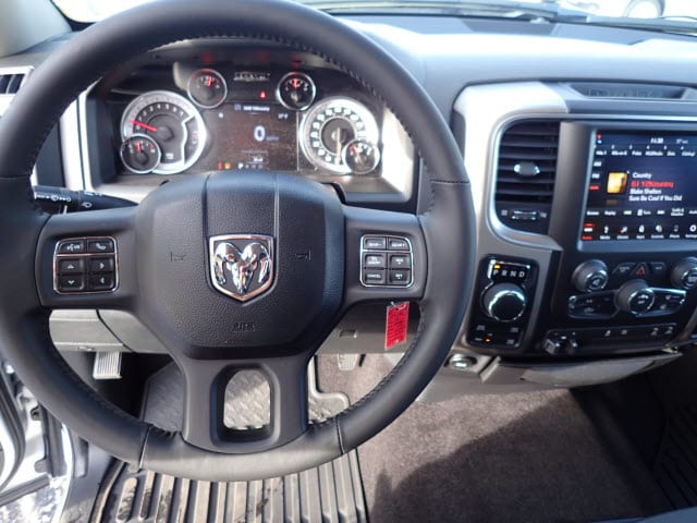 2018 Ram 1500 Crew Cab 4x4, Pickup #DT17585 - photo 16