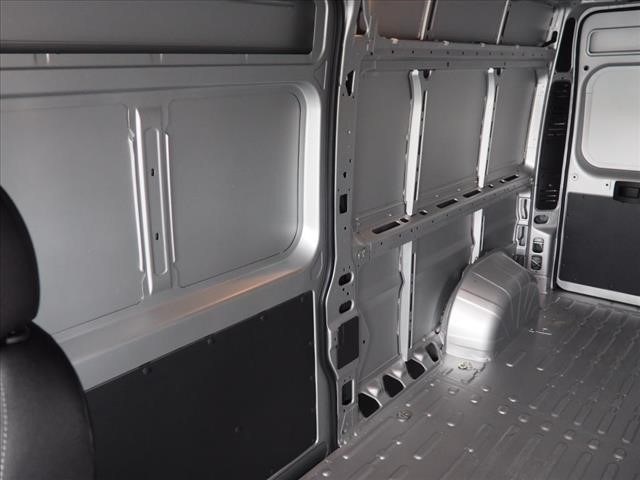 2018 ProMaster 2500 High Roof 4x2,  Empty Cargo Van #DT17650 - photo 12