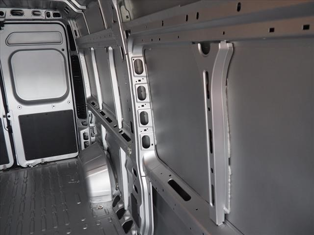 2018 ProMaster 2500 High Roof 4x2,  Empty Cargo Van #DT17650 - photo 13