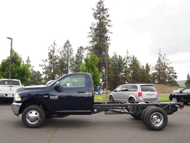 2018 Ram 3500 Regular Cab DRW 4x4,  Cab Chassis #DT18216 - photo 4
