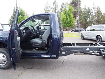 2018 Ram 3500 Regular Cab DRW 4x4,  Cab Chassis #DT18216 - photo 24
