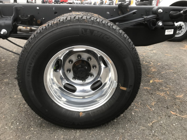 2017 F-350 Regular Cab DRW 4x4,  Cab Chassis #W1148 - photo 9