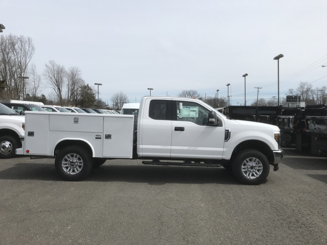 2018 F-350 Super Cab 4x4, Reading Service Body #X0380 - photo 3
