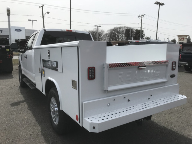 2018 F-350 Super Cab 4x4, Reading Service Body #X0380 - photo 2