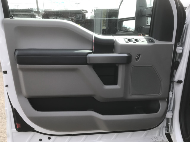 2018 F-350 Super Cab 4x4, Reading Service Body #X0380 - photo 28