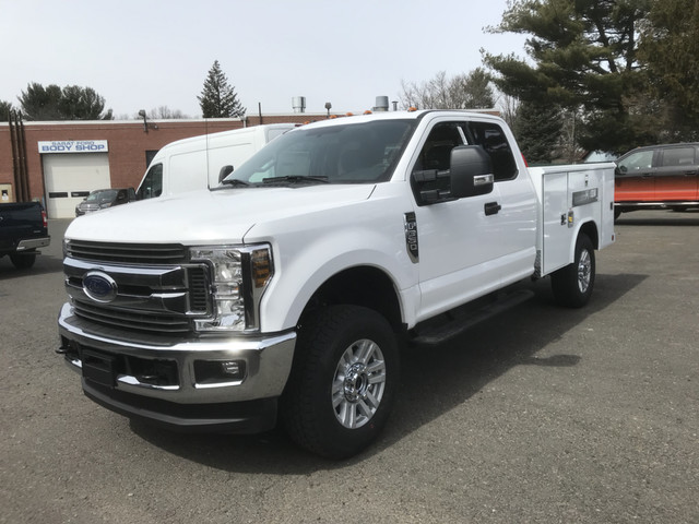2018 F-350 Super Cab 4x4, Reading Classic II Steel Service Body #X0380 - photo 1