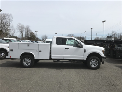 2018 F-350 Super Cab 4x4, Reading Classic II Steel Service Body #X0380 - photo 3
