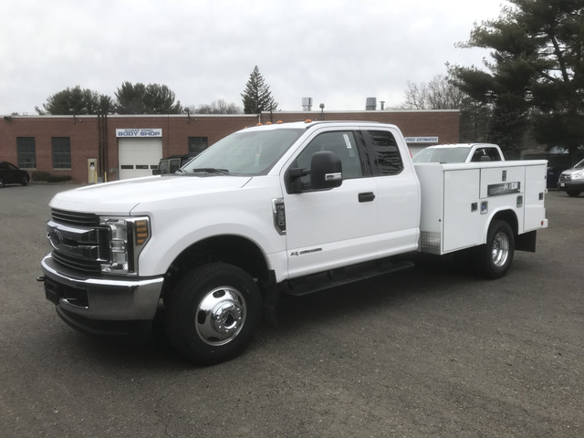 2018 F-350 Super Cab DRW 4x4, Reading Service Body #X0381 - photo 4