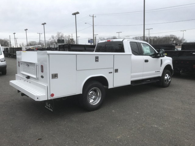 2018 F-350 Super Cab DRW 4x4, Reading Service Body #X0381 - photo 2