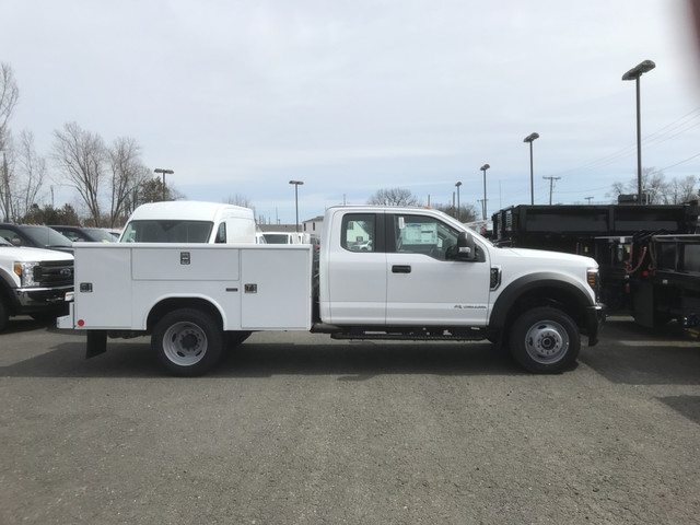 2018 F-550 Super Cab DRW 4x4, Reading Service Body #X0393 - photo 4