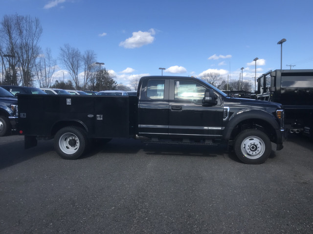 2018 F-550 Super Cab DRW 4x4, Reading Service Body #X0418 - photo 2