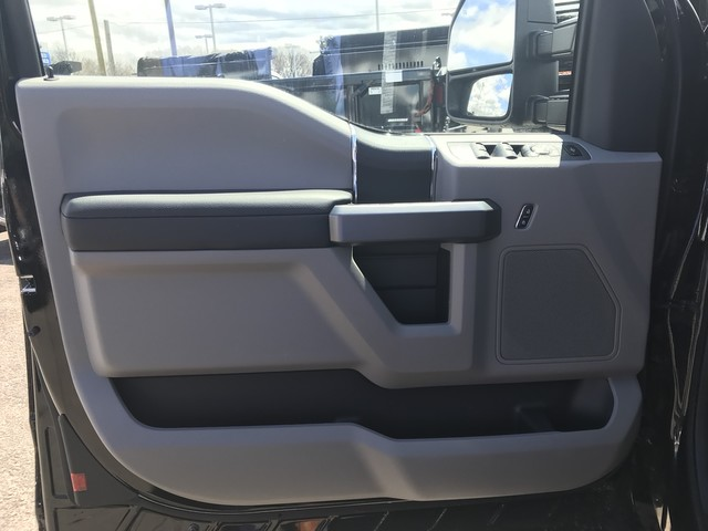 2018 F-350 Super Cab 4x4, Reading Service Body #X0444 - photo 11
