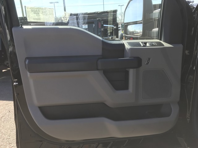 2018 F-550 Regular Cab DRW 4x4, Reading Service Body #X0459 - photo 13