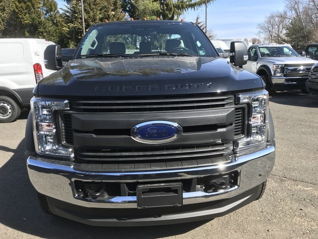 2018 F-550 Regular Cab DRW 4x4, Reading Service Body #X0459 - photo 5