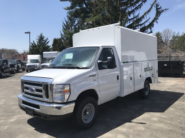 2018 E-350, Reading Service Utility Van #X0462 - photo 3