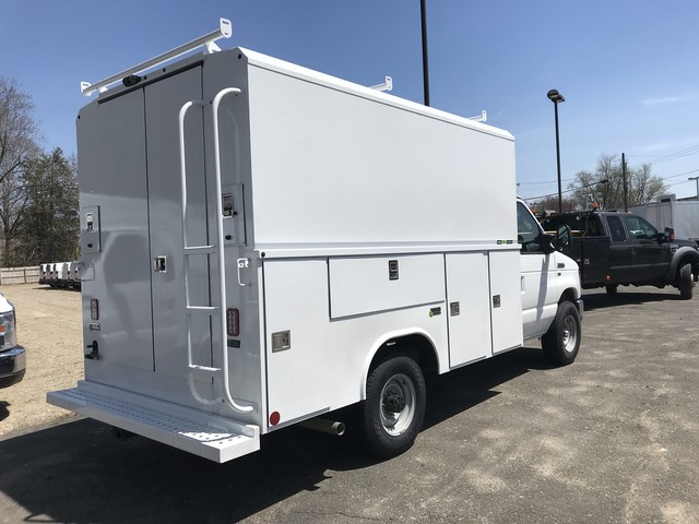 2018 E-350, Reading Service Utility Van #X0462 - photo 2