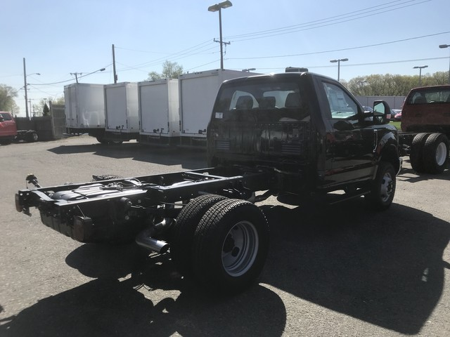 2018 F-350 Regular Cab DRW 4x4,  Cab Chassis #X0523 - photo 7