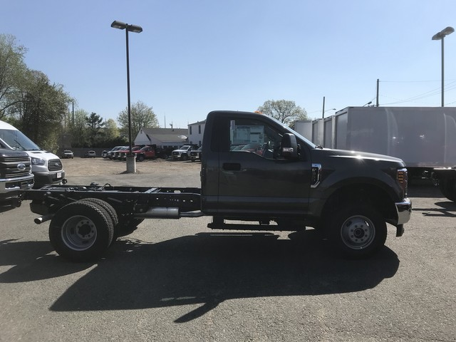 2018 F-350 Regular Cab DRW 4x4,  Cab Chassis #X0524 - photo 7
