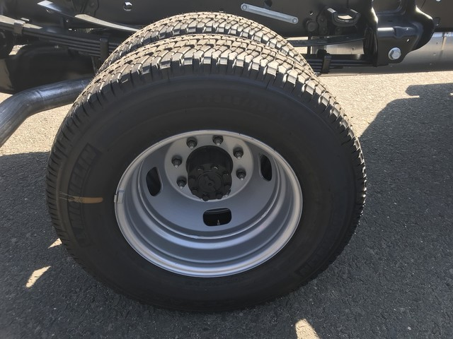 2018 F-350 Regular Cab DRW 4x4,  Cab Chassis #X0524 - photo 9
