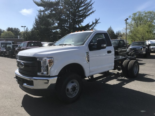 2018 F-350 Regular Cab DRW 4x4,  Cab Chassis #X0531 - photo 3