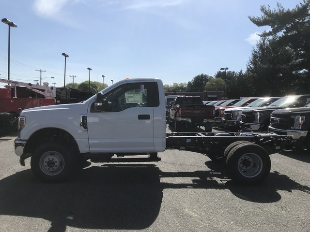 2018 F-350 Regular Cab DRW 4x4,  Cab Chassis #X0531 - photo 6