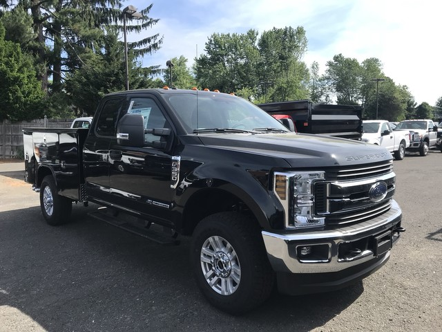 2018 F-350 Super Cab 4x4,  Reading Classic II Aluminum  Service Body #X0611 - photo 6