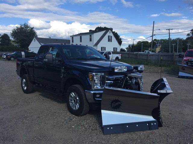 2018 F-350 Super Cab 4x4,  Fisher Snowplow Pickup #X0904 - photo 1