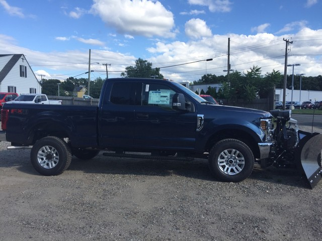 2018 F-350 Super Cab 4x4,  Fisher Snowplow Pickup #X0904 - photo 4