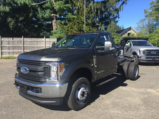 2019 F-350 Regular Cab DRW 4x4,  Cab Chassis #Y0036 - photo 3