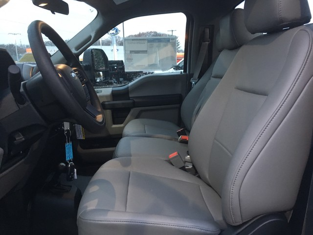 2019 F-550 Regular Cab DRW 4x4,  Cab Chassis #Y0111 - photo 12