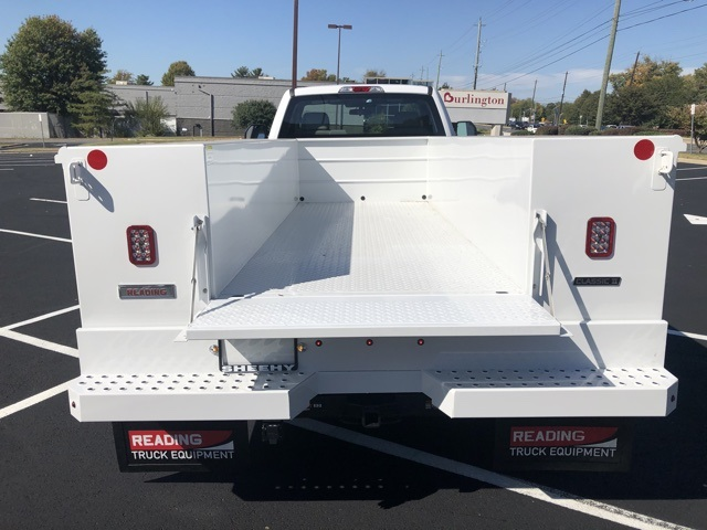 2019 Ford F-450 Regular Cab DRW 4x4, Reading SL Service Body #CDA27084 - photo 7