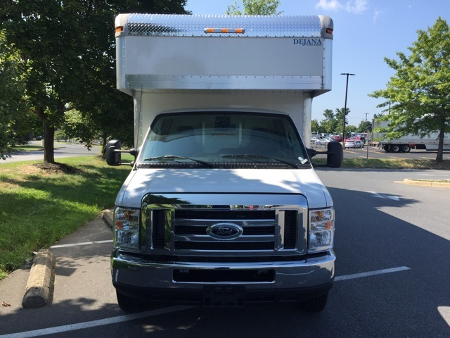 2018 E-450 4x2,  Dejana Truck & Utility Equipment Cutaway Van #CDC40233 - photo 4