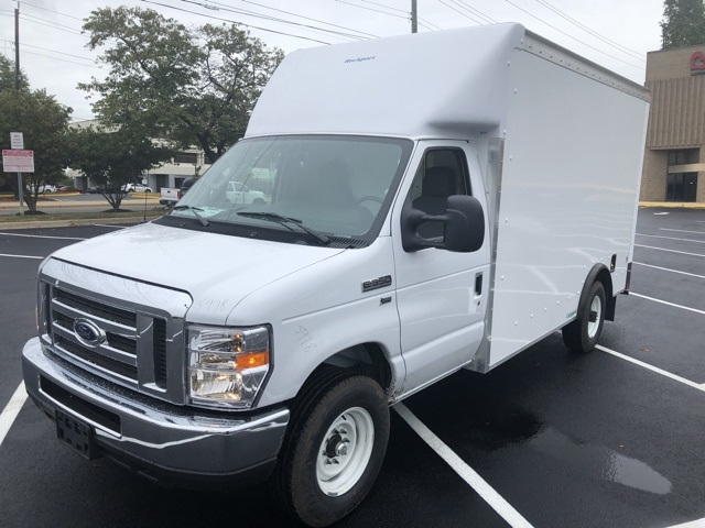 2019 E-350 4x2, Rockport Cutaway Van #CDC55978 - photo 1