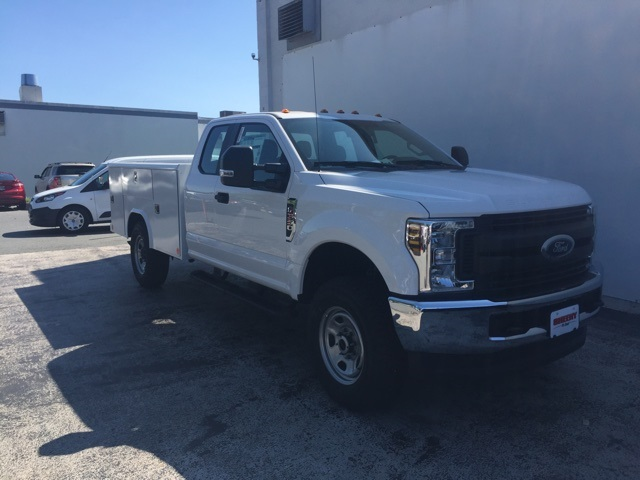 2019 F-350 Super Cab 4x4,  Reading Service Body #CEC25550 - photo 4