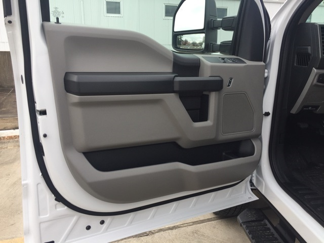 2019 F-250 Regular Cab 4x4,  Pickup #CED46059 - photo 5