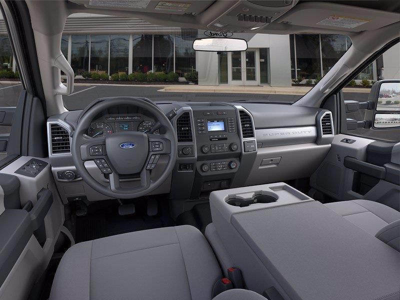 2021 Ford F-250 Crew Cab 4x4, Pickup #CEE04552 - photo 9