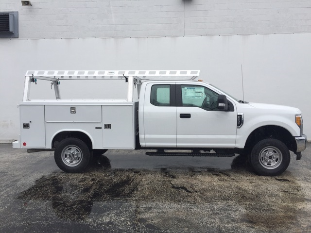 2017 F-250 Super Cab 4x4, Reading Service Body #CEE17299 - photo 2
