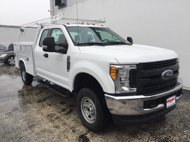 2017 F-250 Super Cab 4x4, Reading Service Body #CEE17299 - photo 3