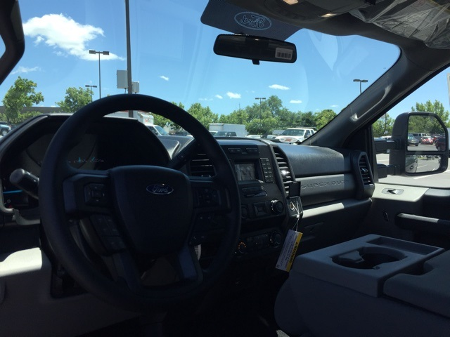 2019 F-250 Crew Cab 4x4,  Pickup #CEF37611 - photo 31