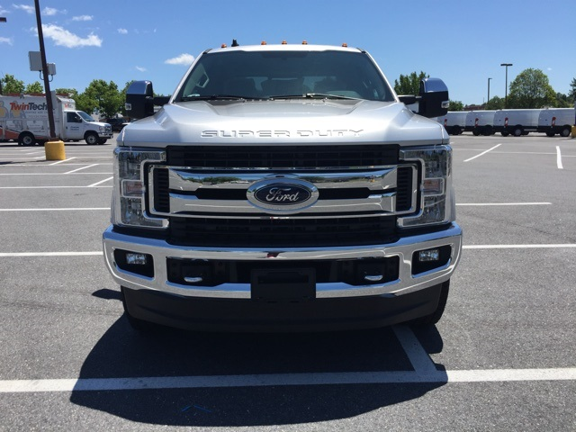 2019 F-250 Crew Cab 4x4,  Pickup #CEF37620 - photo 4