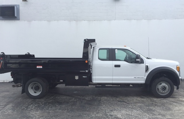 2017 F-550 Super Cab DRW 4x4, Reading Dump Body #CEF50198 - photo 3