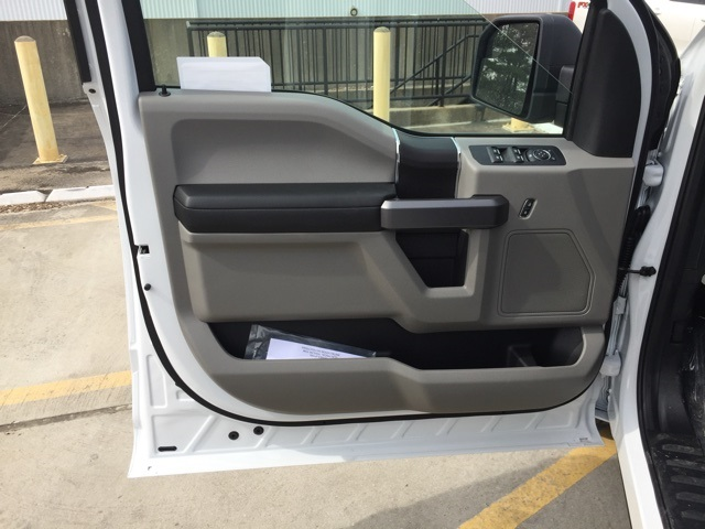 2019 F-150 SuperCrew Cab 4x2,  Pickup #CFB43756 - photo 8