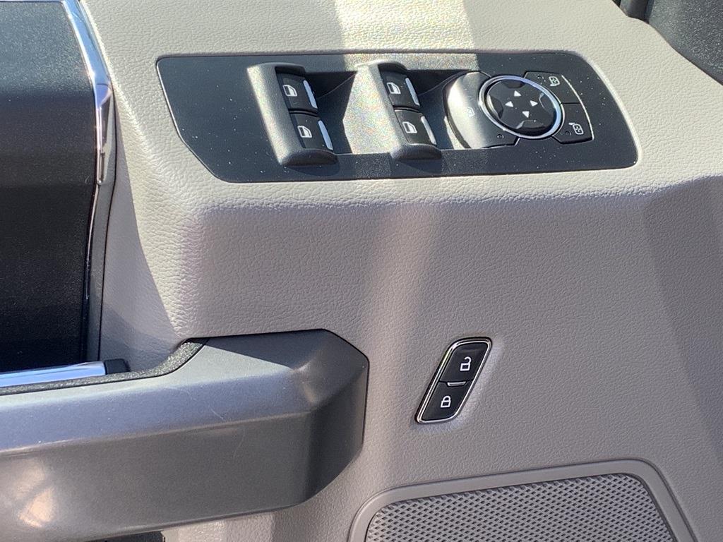 2015 Ford F-150 SuperCrew Cab 4x4, Pickup #CFB4696C - photo 32