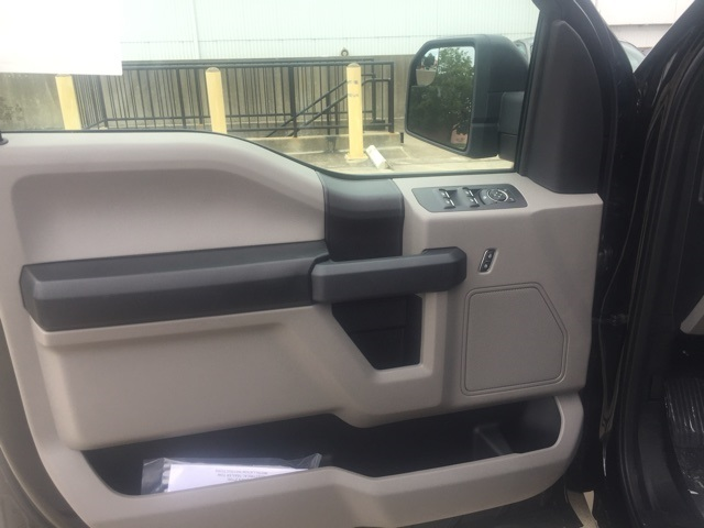 2019 F-150 SuperCrew Cab 4x4, Pickup #CFC60997 - photo 6