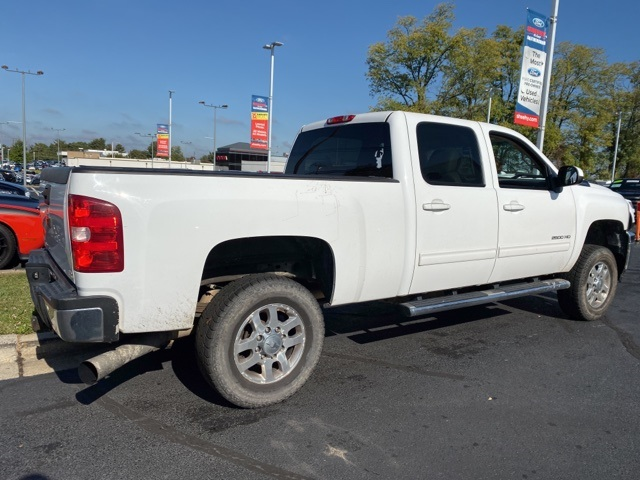 2011 Silverado 2500 Crew Cab 4x4, Pickup #CNG3485J - photo 2