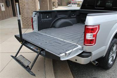 2018 Ford F-150 SuperCrew Cab 4x4, Pickup #CP906509 - photo 10